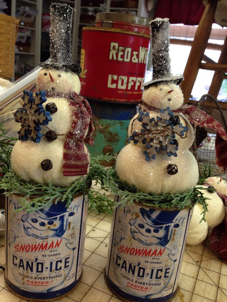 Snowmen on vintage cans of Can'd Ice. Love the graphics on the cans. The snowmen are from a Country Friends pattern.