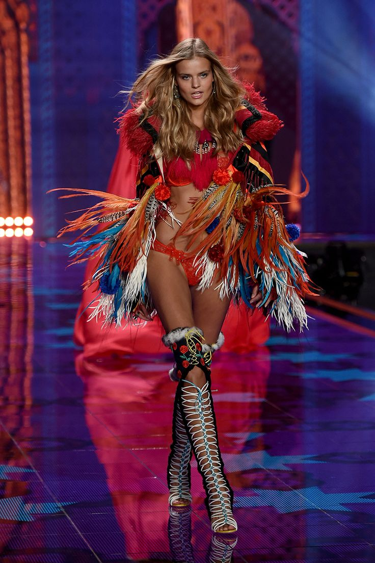 All The Runway Looks From The 2014 Victoria's Secret Fashion Show - Victoria's Secret Fashion Show Runway - Elle Kate Grigorieva