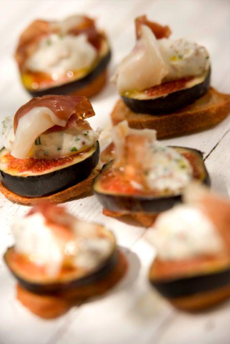 Mise en bouche Figues jambon-chevre noix Frères Pourcel