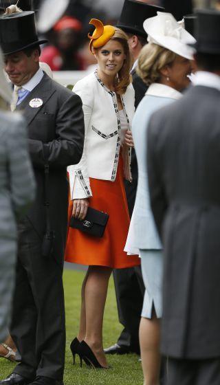 Hut-Schau in Ascot: Prinzessin Beatrice. Mehr dazu hier: http://www.nachrichten.at/nachrichten/society/Extravagante-Hutparade-beim-koeniglichen-Pferderennen;art411,1419569 (Bild: Reuters)