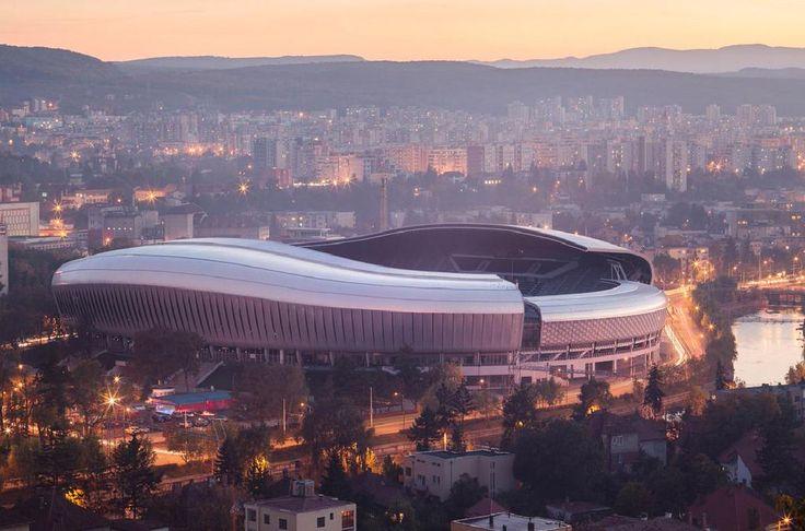 Interviu cu Șerban Țigănaș, arhitectul arenelor din Cluj, Craiova și Tg. Jiu http://www.ziaruldesport.ro/articol_10140_zds_pg_0.htm…