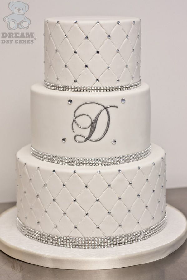 Wedding Cake Design Patterns : 25+ best ideas about Diamond wedding cakes on Pinterest ...