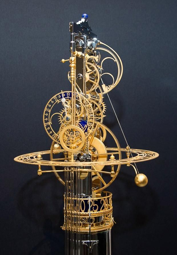 Miki Eleta, clockmaker: La Luna As well as indicating hours, minutes and seconds, weekday, date and month, the timepiece displays moon phase (which only needs correcting after 128 years), signs of the zodiac, the longest and shortest day of the year, and the four seasons. La Luna features a range of materials – gold, chrome, lapis lazuli, blue glass, mother-of-pearl and horn – and has a five-day power reserve.