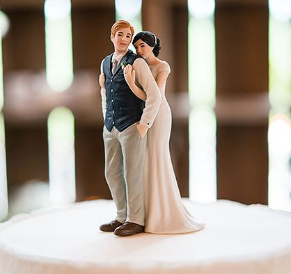 brunette wedding cake toppers 1000 ideas about on wedding 12201
