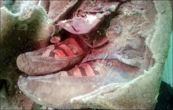 Mongolie: La momie qui semble porter des baskets Adidas fait sourire le Web.