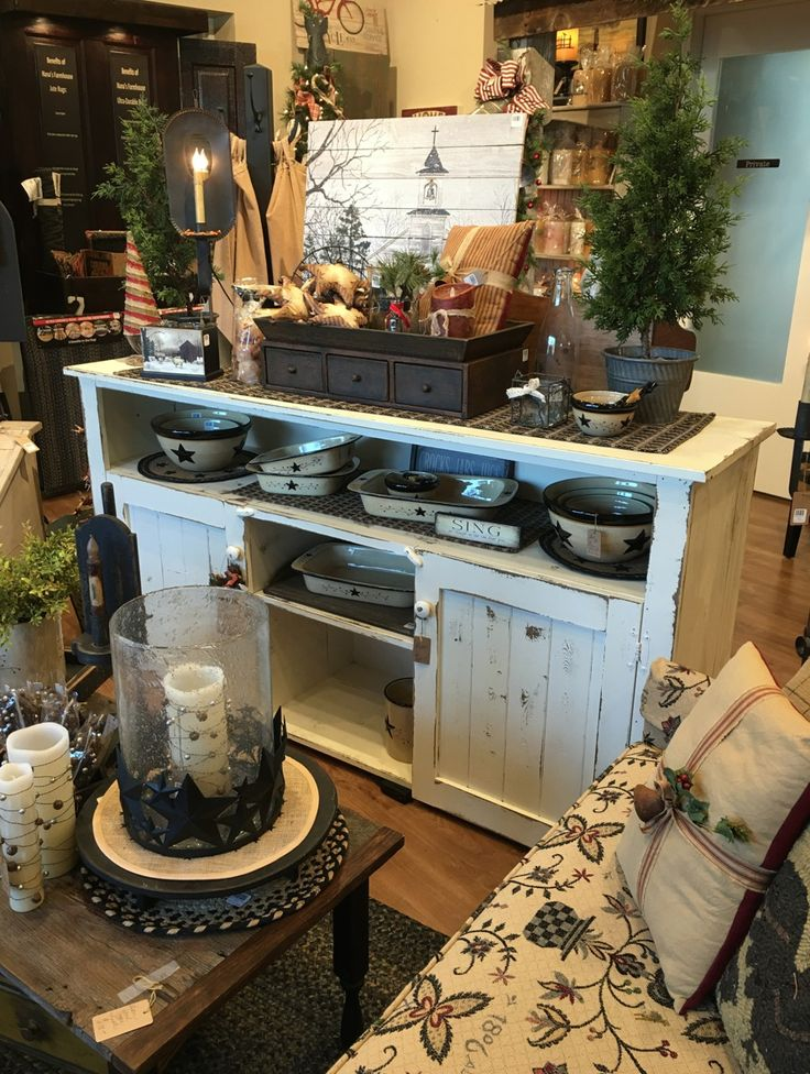 Primitive Rustic Country Farmhouse Shop In St.