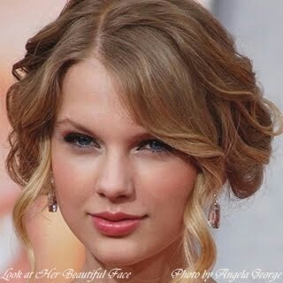 I love Taylor sift she is my idol