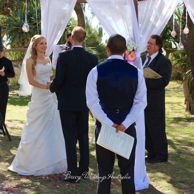 Our newlyweds - Justin&Nadia. Beautiful ceremony at Len Wort Park Currumbin Styling by www.breezeweddings.com.au #breezeweddings #lenwortpark #wedding #currumbin #currumbinwedding #ceremonylocations #goldcoast #tugun #foreshore #ceremony #pink #frangipani #weddinghire #weddingstylist #lovemyjob #любимаяработа #свадебныйстилист #австралия #молодожены #свадебнаяцеремония #свадьбававстралии
