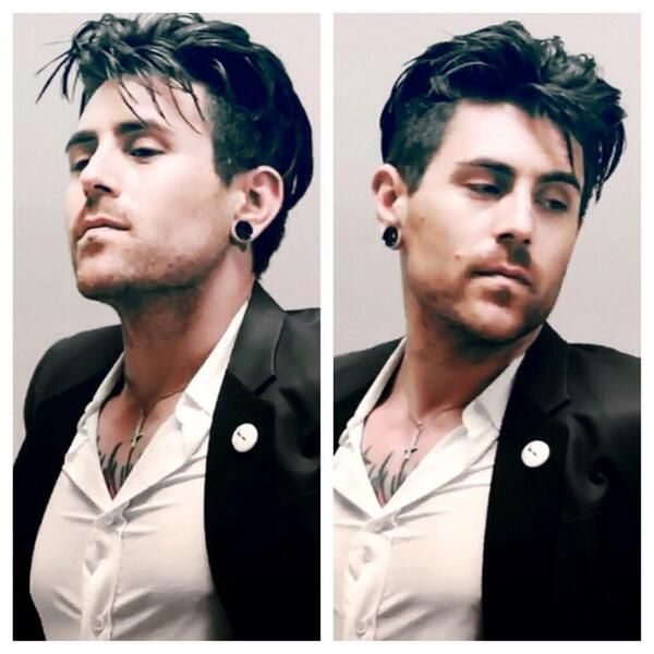 Most fucking gorgeous man ever. Davey Havok.