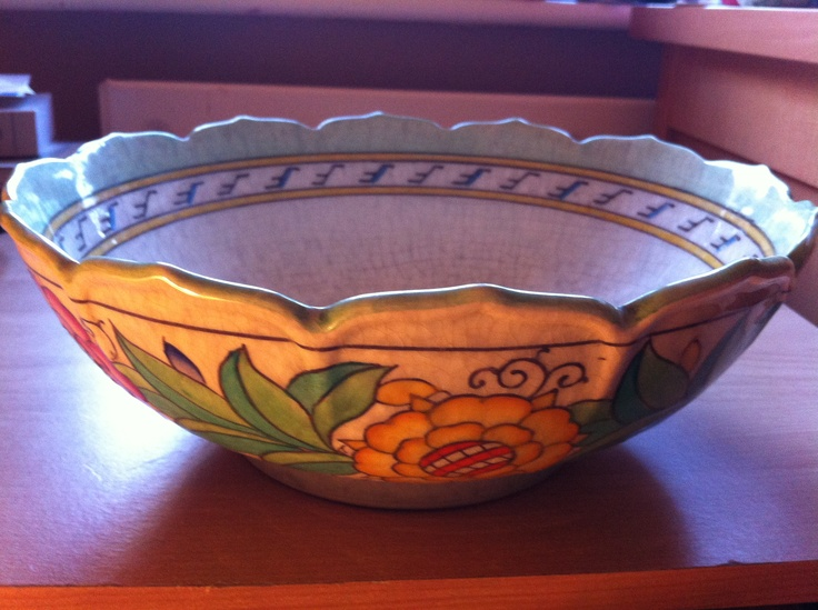 Charlotte Rhead Fruit bowl, beautiful pattern and in perfect condition, on sale at terrierantiques