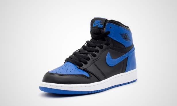 """Sneakernews called it the biggest Air Jordan retro of the year, and we are also very excited to present the new Air Jordan 1 """"Royal"""" at 43einhalb. It´s already been four years since the original colorway celebrated its last release. Compared to the 2013 model, the iconic basketball silhouette comes with a different shape that is truer to the actual 1985 release. Like the original 32 years ago, the Air Jordan 1 features a black and royal blue leather upper that matches perfectly with the…"""