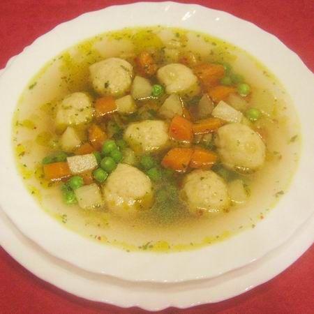 Zöldségleves burgonyagombóccal