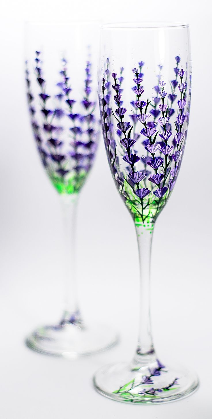 Champagne Flutes Lavender Hand Painted #Champagne #Glasses, Set of 2 #Wedding Toasting Glasses,Bachelorette Party Personalized Flutes