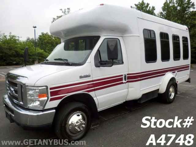 used shuttle bus for sale http://usedbusdealership.com/used-shuttle-bus-for-sale/
