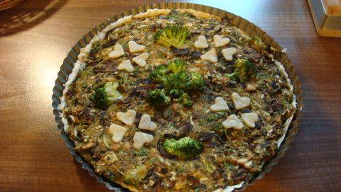 Slaný koláč -brokolicový s houbami - Powered by @ultimaterecipe