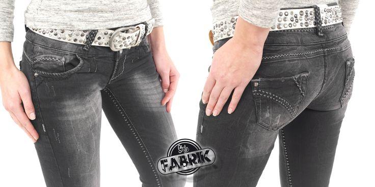 Stylische Damen Jeans von Cipo & Baxx grau mit schwarzgrauen Nähten  Hier bei Amazon ansehen: http://www.amazon.de/gp/product/B00QAIFR8Q/ref=as_li_tl?ie=UTF8&camp=1638&creative=19454&creativeASIN=B00QAIFR8Q&linkCode=as2&tag=kbco05-21&linkId=WECNCCWVU5GEX5DD  Viel Spaß beim shoppen Die Stylefabrik