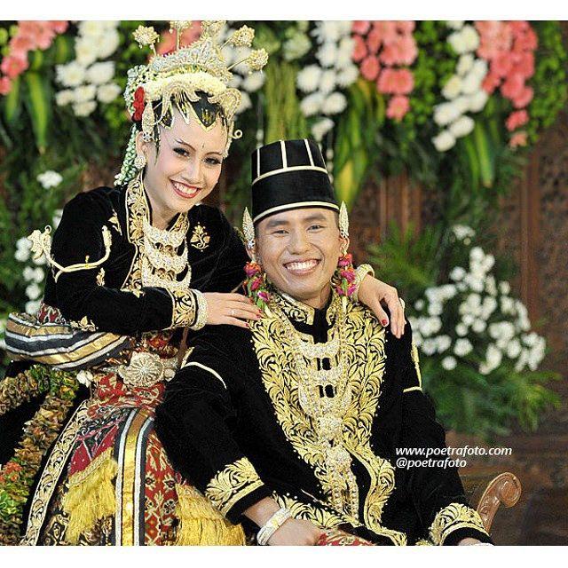#Foto #Pengantin #PaesAgeng #Jawa dalam #Pernikahan Citra+Andree #Wedding di #Jogja #Yogyakarta #Indonesia, http://wedding.poetrafoto.com/foto-pernikahan-dg-gaun-kebaya-pengantin-paes-ageng-jogja_476