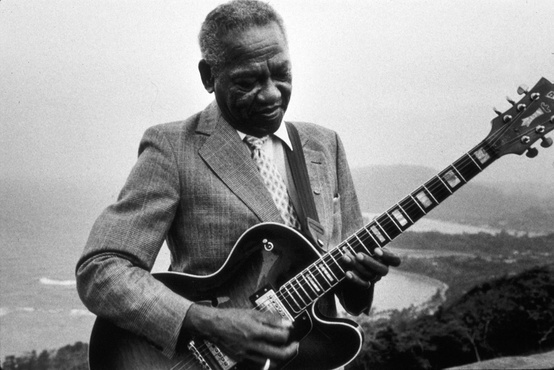 ERNEST RANGLIN ➥ double-click on the picture