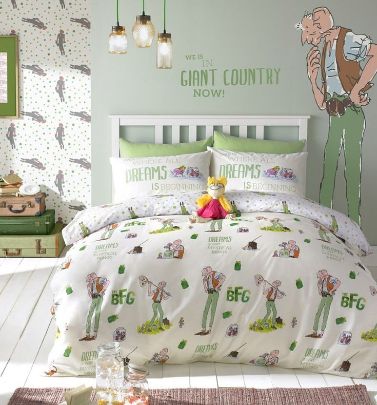 Dream away in this beautiful #RoaldDahl Bedlinen from Ashley Wilde. Featuring a…