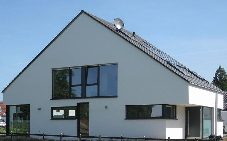 Moderne häuser neubau  Moderne Häuser Bilder: Neubau eines Einfamilienhauses mit Garage ...