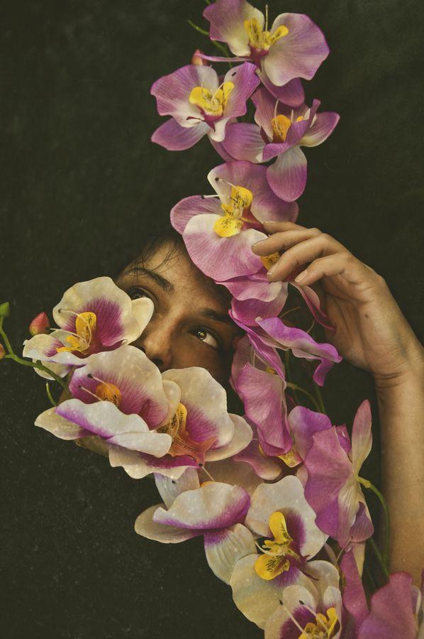 Starve the ego, feed the soul.: Photovogu Zachar, Katiuscia Bayslak, Pretty Pretty, Flowers Talk, Pretty Flowers, Editor Photovogu, Fashion Photography, Purple Violets, Photovogu Editor