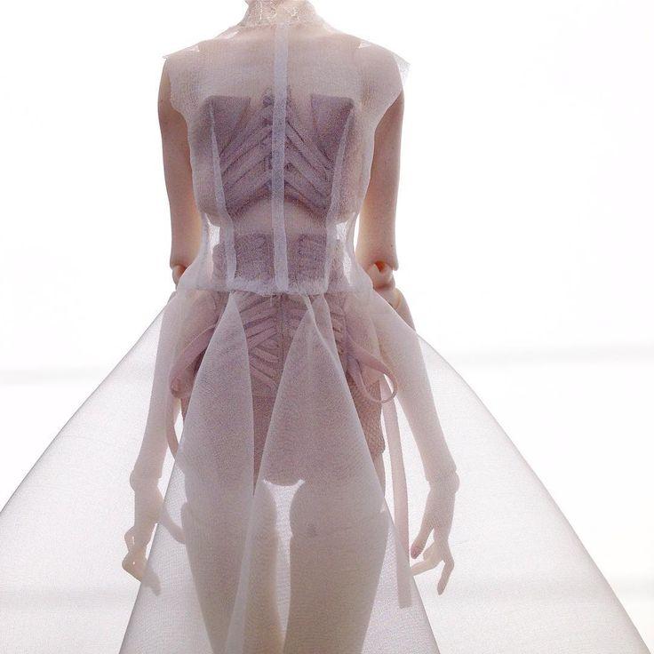 Wedding dress in the style of Popovy Sisters/ свадебное платье в стиле Popovy Sisters #popovysisters #popovydolls #sistersdolls #bjd #ooakdoll #ooakdoll #exclusivedoll #weddingdress #gressfordoll #fashion #fashiondoll #art #artdoll #wip #doll