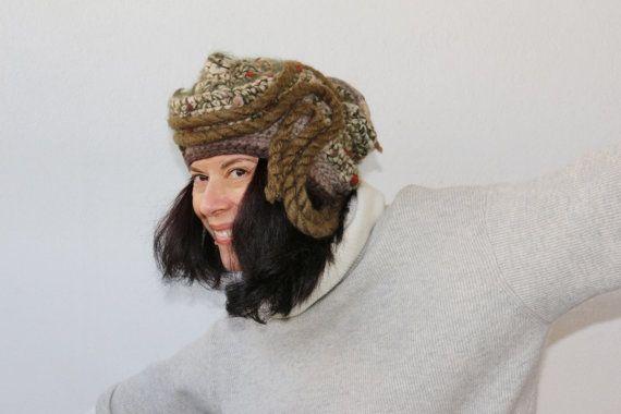 cappello lana fatto a mano hand made uncinetto di PaolaCollection