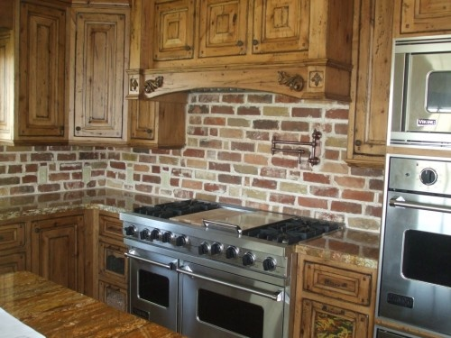 brick backsplash I had this in Mississippi, hope the new builder will do it  in - 29 Best Images About Brick Back Splash Ideas On Pinterest Stove