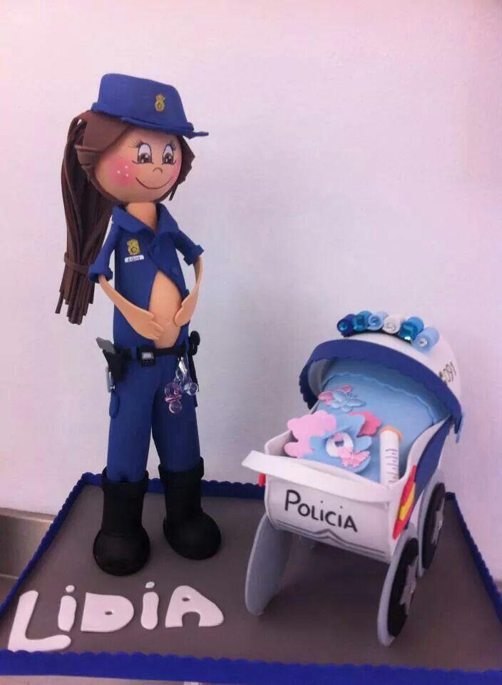 Policía embarazada