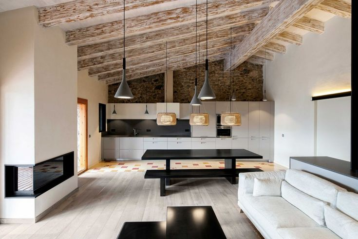 This historic rehabilitation project was undertaken by Dom Arquitectura in a small village in La Cerdanya, Spain, offering breathtaking views to the south. Interior Design Boards, Modern Interior Design, Interior Design Living Room, Spanish Tile Roof, Pink Bedroom Decor, Communal Table, Farmhouse Renovation, Roof Trusses, Wood Beams