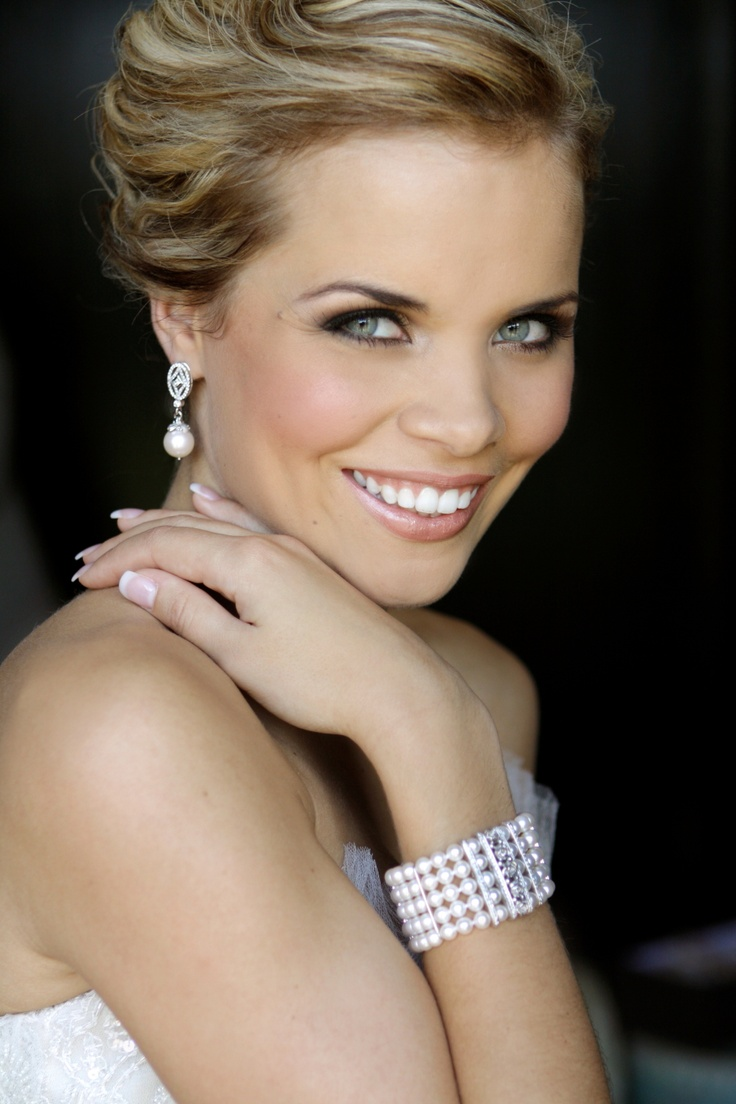Carla Else Looking Fabulous On Her Wedding Day In Jc Pearl Cuff Bracelet And Diamond Earrings Shining Stars Pinterest