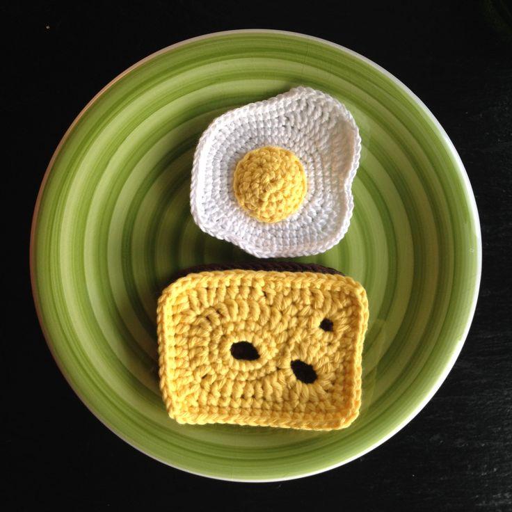 bymami hækle hæklet spejlæg legemad crochet crocheting playfood fried egg