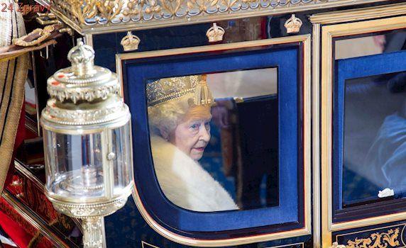 Strach o královnu Alžbětu II. Mimořádně se schází personál Buckinghamského paláce