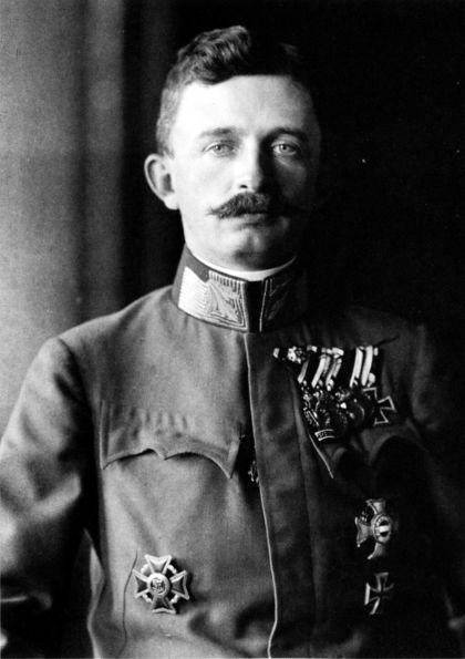 Blahoslavený Karol I. Habsburský Karol IV Vládol v rokoch 1916 – 1918 Zo šťastného manželstva so Zitou sa narodilo osem detí:   Emperor Charles I of Austria, 1917