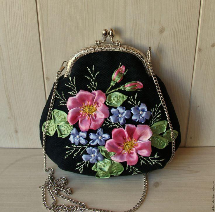 """Купить Сумочка """"Шиповник на черном"""" - подарок девушке, подарок женщине, цветочный, сумочка ручной работы"""