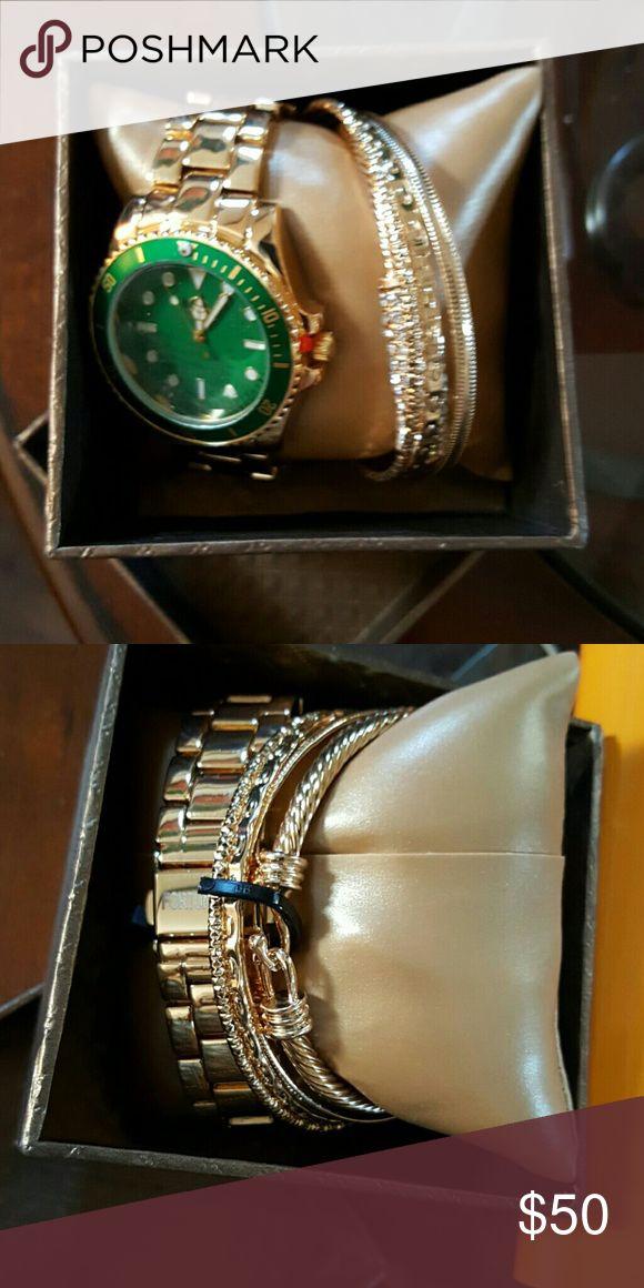 Relógio & braceletes NIB Arm Candy Isto serve para um pulso de tamanho médio e …   – My Posh Picks