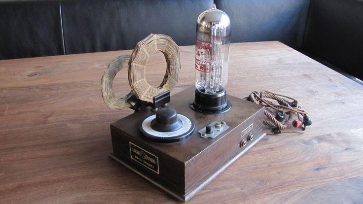 Loewe Ortsempfänger Crystal Radio Receiver OE 333 with 3NF Tube Marconi era