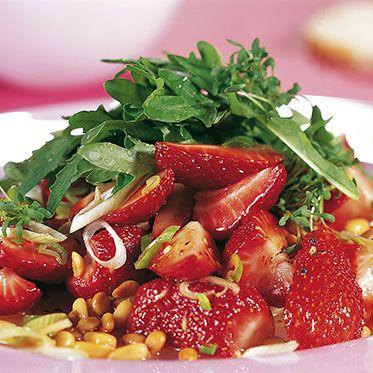 Rucola mit Erdbeeren Rezept | Küchengötter