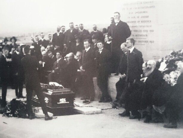 Genl.Christiaan de Wet aan die woord by die graf van pres.Steyn. 3 de Desember 1916