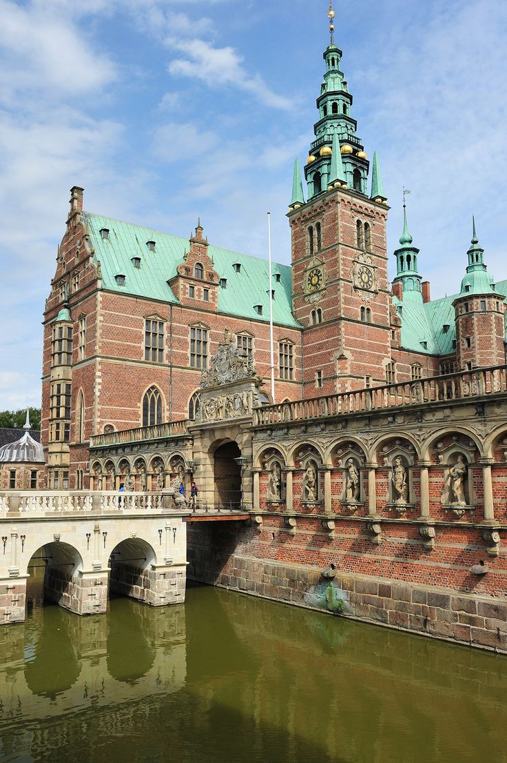 The museum of national history at frederiksborg castle copenhagen - Frederiksborg Castle Is Situated In Hiller D North Of Copenhagen This Impressive And Unrivalled Renaissance Castle Was Built In The First Decades Of The