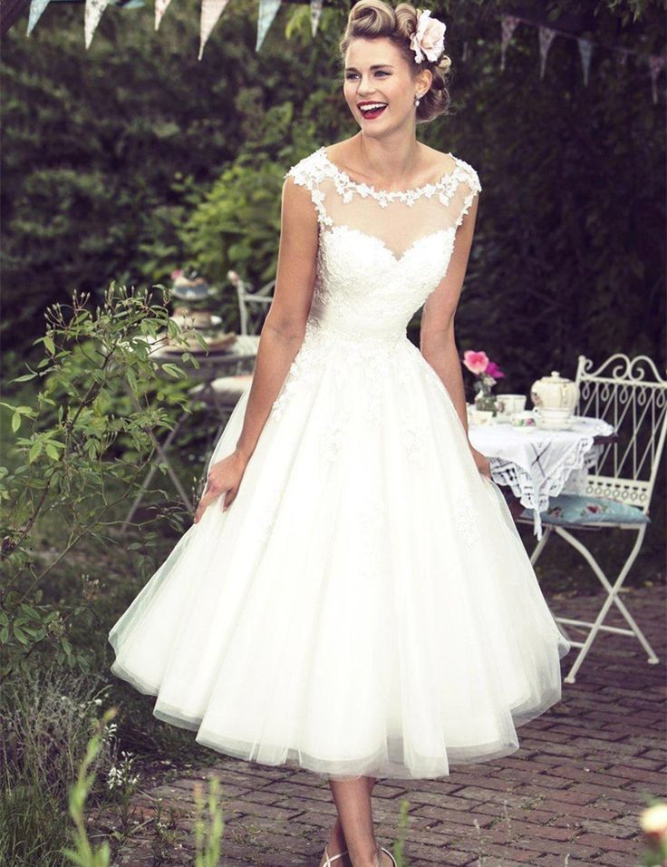 New Vintage Lace Short Wedding Dresses 2016 Ivory Tea Length Sheer Neck Appliques Bridal Dress Wedding Gown Robe De Mariage S29