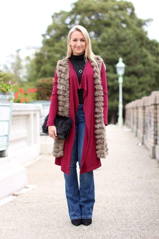 bootcut jeans, flared jeans, Schlagjeans, Jeans ausgestallt, - C&A / turtle neck body, Rollkragen, Body Rolli - Calzedonia / cardigan - New Yorker / fur vest, Pelzweste - Boutique KY / ankle boots & fur clutch, clutch Pelz - Aldo / necklace - Asos / collected by Katja / Ü 30 fashion blog from Austria / Ü30 Modeblog aus Österreich / ladies with style / streetstyle / fashion blog / fall look / fall trend / herbst outfit / how to style flared jeans / how to style bootcut jeans / how to style…