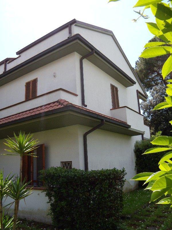 Oltre 25 fantastiche idee su ripostiglio della veranda su pinterest ripostigli da terrazza - Ripostiglio per terrazzo ...