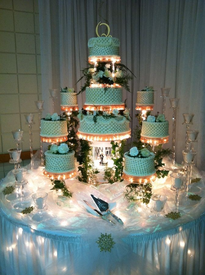 lighted wedding cake stand 17 best images about stuff to buy on strapless 16865