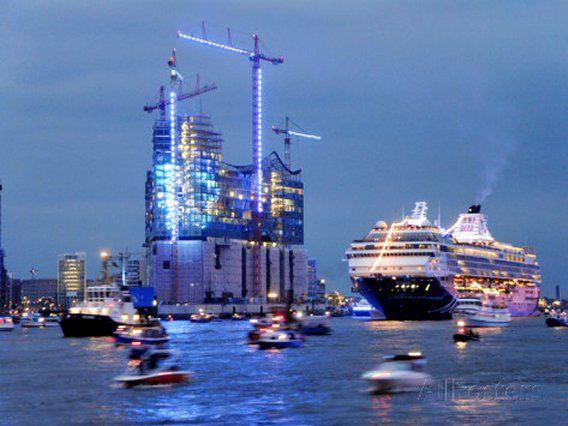 Cruise Ships in Hamburg Harbour