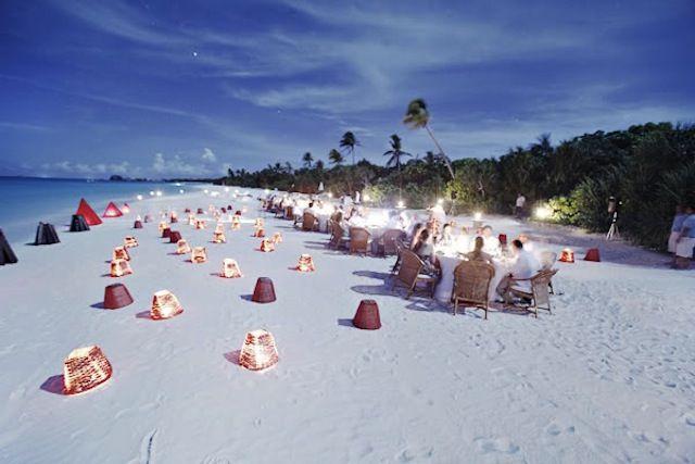 Amazing Amanpulo Wedding   http://brideandbreakfast.ph/2011/01/18/amazing-amanpulo-wedding/