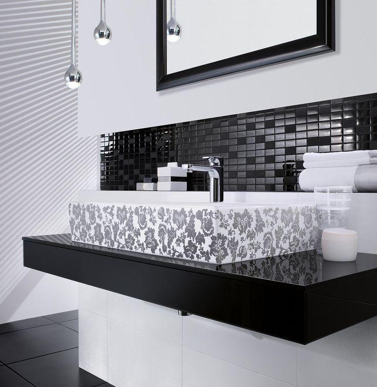 Łazienka czarno-biała z umywalką Villeroy&Boch Memento