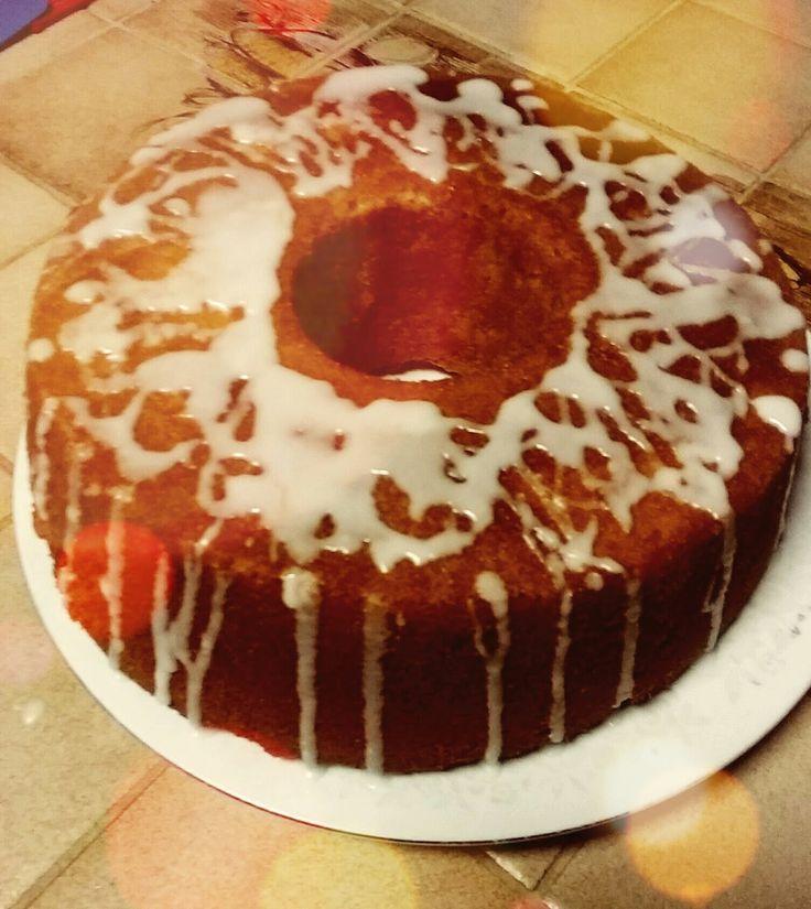 Pound Cake with Lemon Glaze Bahan - Bahan : - 340 gr mentega - 2.1/2 gelas ukuran gula - 5 telor - 3 gelas ukuran tepung - 1 ge...