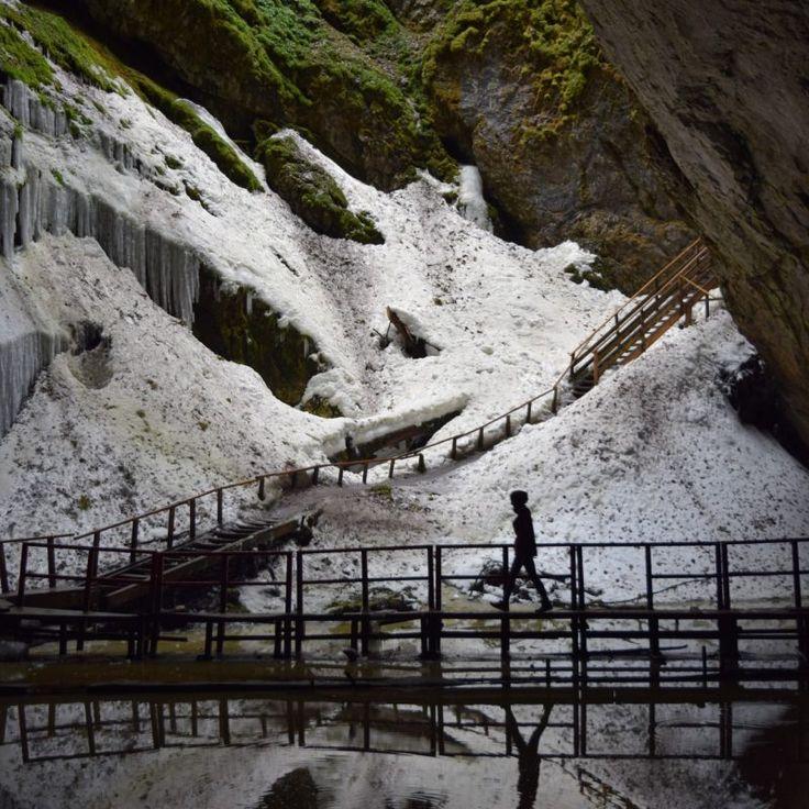 Le Glacier Scarisoara, la plus belle grotte des Apuseni, en Roumanie