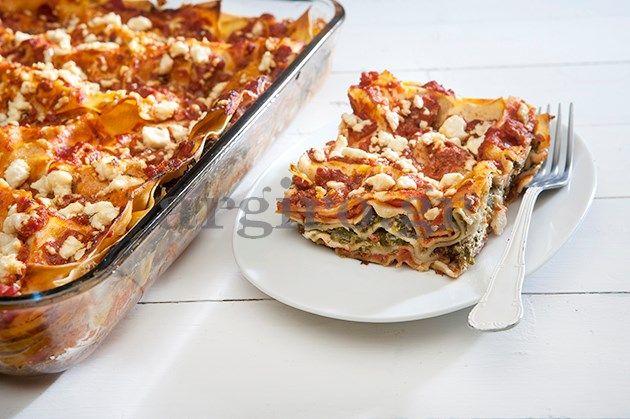 Λαζάνια με σπανάκι, φέτα και λιαστές ντομάτες (Το Πρωινό 10.02.14)